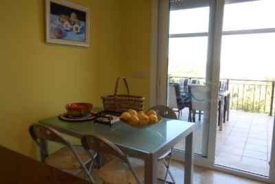 Дом на Коста Брава с видами на море и с отдельными апартаментами для гостей